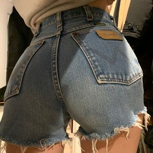 Vintage Wrangler Cut Off Denim Jean Shorts 25